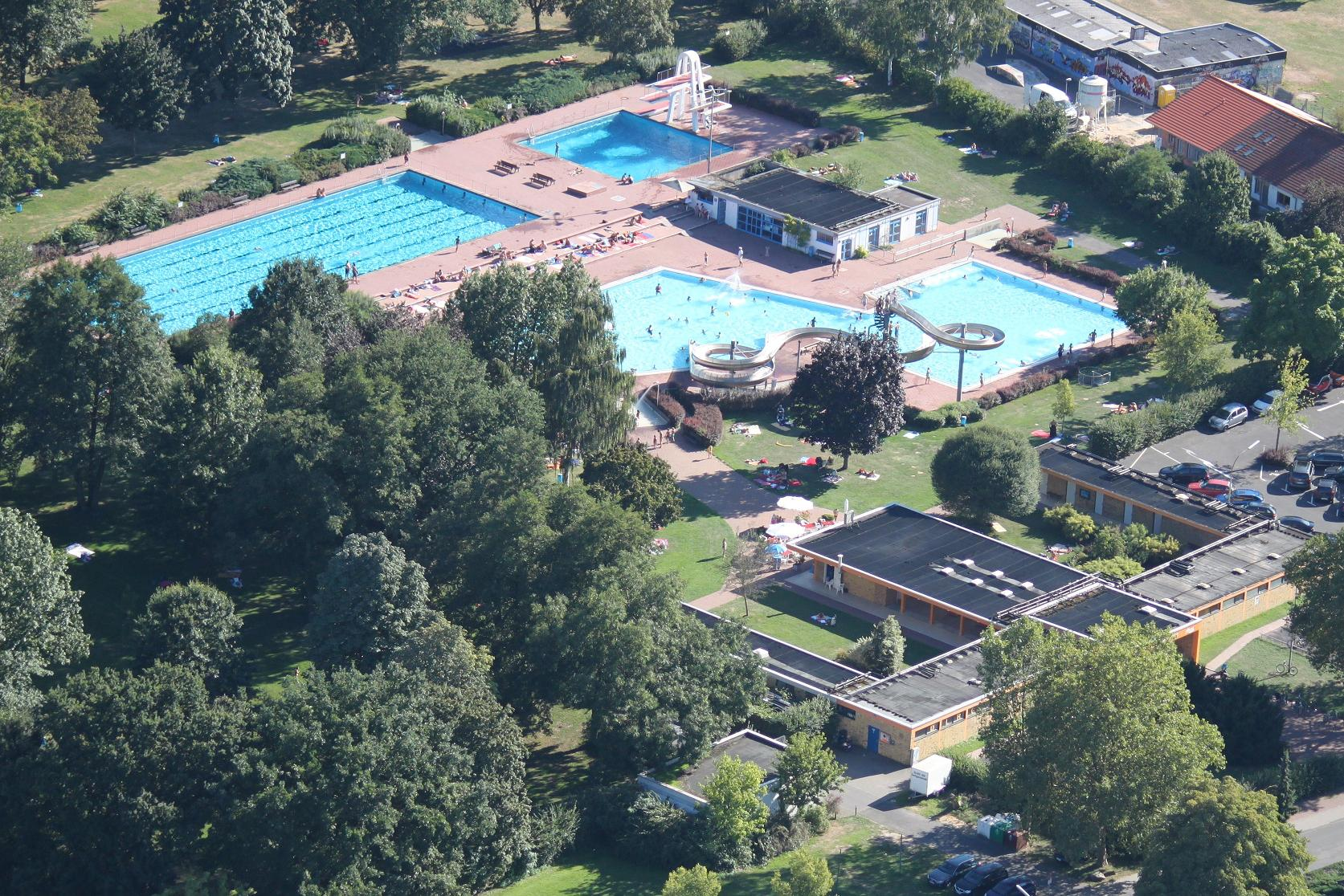 Die dlrg dlrg ortsgruppe seligenstadt for Seligenstadt schwimmbad